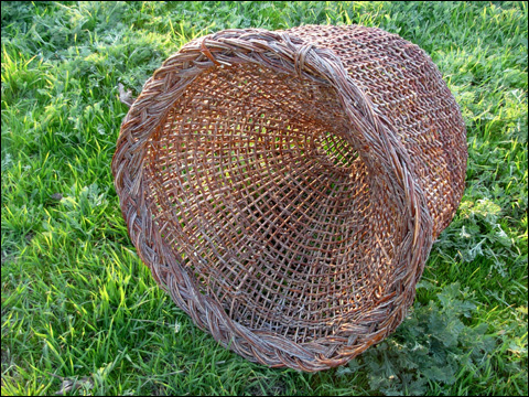 how to make a fish basket
